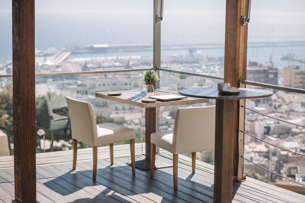 Nuestro Restaurante con vistas al mar se encuentra entre los mejores Restaurantes de Alicante y La Costa Blanca.
